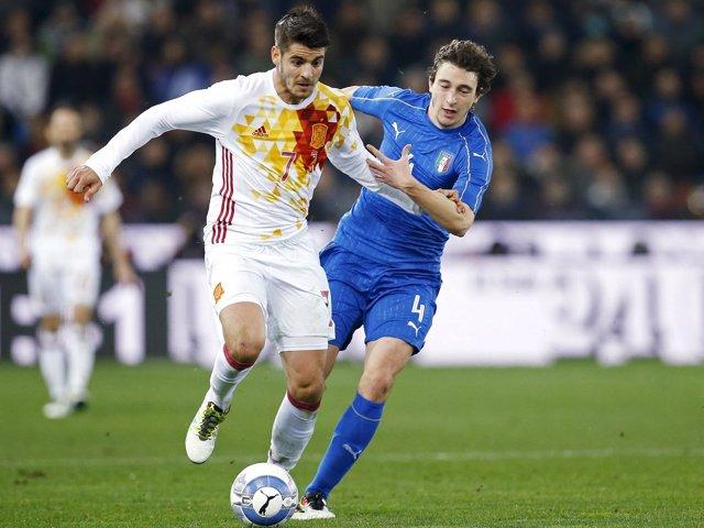 Morata, con la selección, en un partido ante Italia