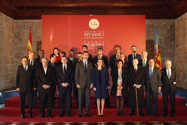 Los Reyes en el acto de entrega de los premios Rey Jaime I en Valencia