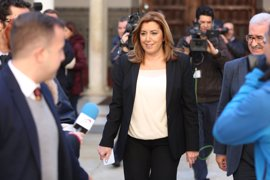 """Susana Díaz ve a la oposición en Andalucía """"en servicios mínimos"""""""