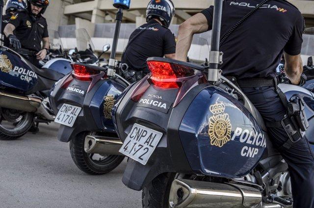"""La Policía Nacional Refuerza Su Presencia En Las Calles Ante El """"Black Friday"""""""