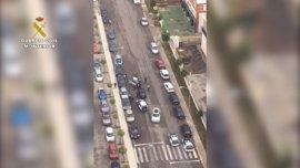 Sucesos.- Tres detenidos por robar en un coche aparcado en el parking de un centro comercial de San Juan