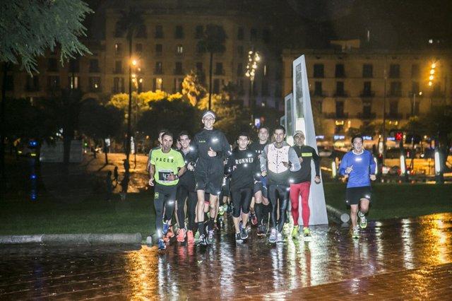 Mario Mola entrena con aficionados en Barcelona