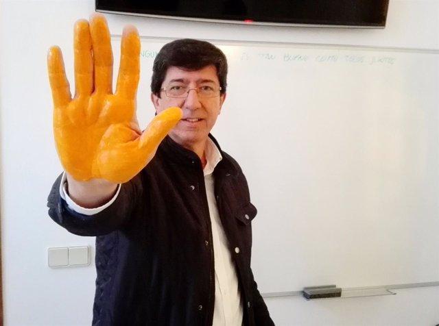 El presidente y portavoz del grupo de C's en el Parlamento, Juan Marín