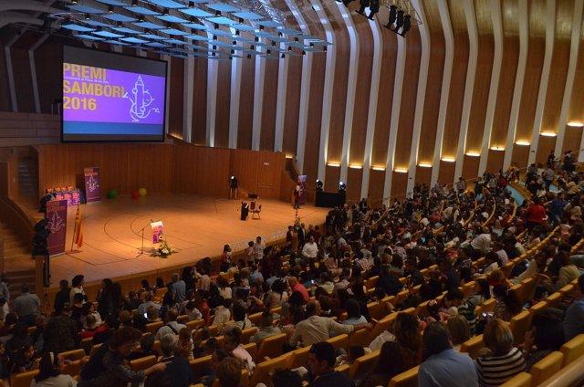 Imagen de archivo de un acto educato de Escola Valenciana. Premi Sambori