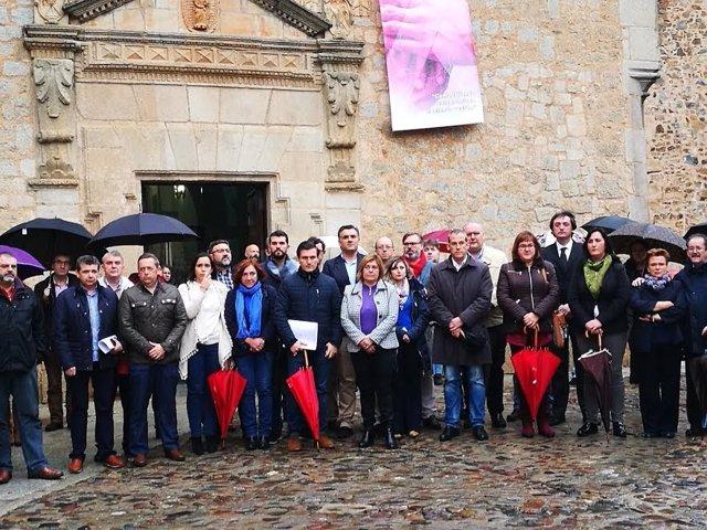 Minuto de silencio de Diputación de Cáceres
