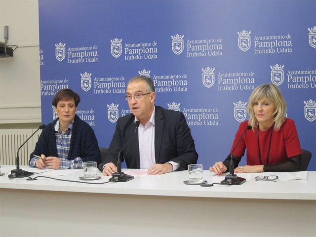 Elizalde, Maya y Caballero en la rueda de prensa