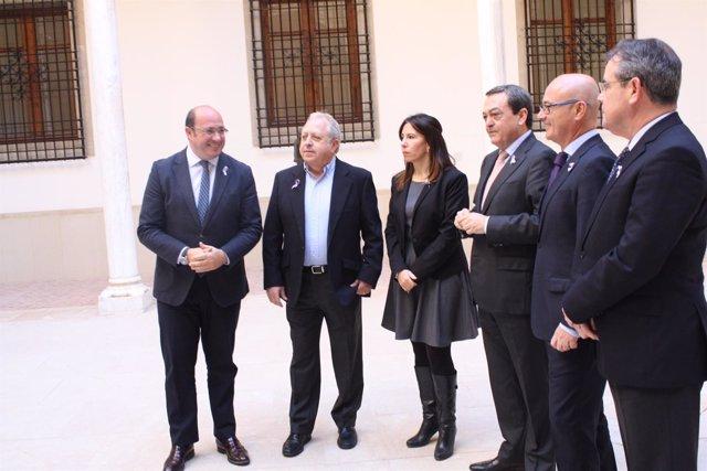 Foto/ Reunión Del Presidente De La Comunidad Con Representantes De Croem Y De Lo