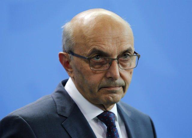 El primer ministro de Kosovo, Isa Mustafa