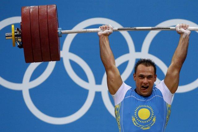 El halterófilo kazajo Ilya Ilyin