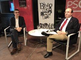 """Patxi López llama a tender puentes con Cataluña y reconocer su """"singularidad"""""""