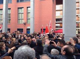 Pedro Sánchez reaparece en Xirivella con un multitudinario encuentro con militantes socialistas