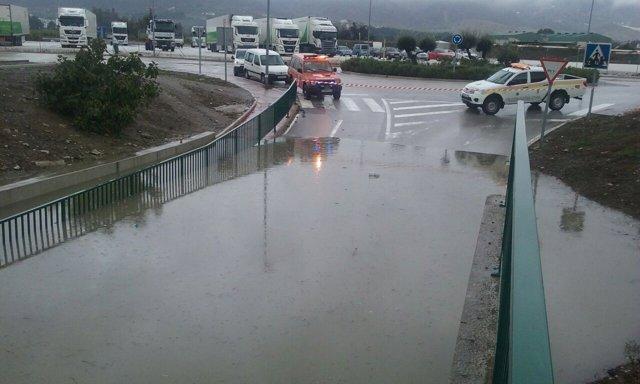 Carretera cortada, lluvia, Málaga, anegada,