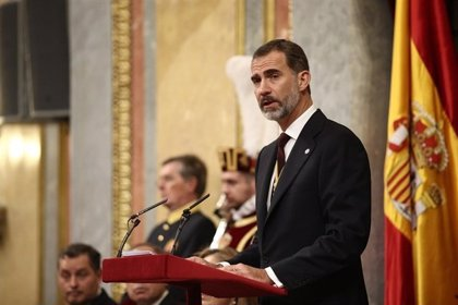 """El Rey Felipe VI destaca el """"indiscutible significado histórico"""" de Fidel Castro"""