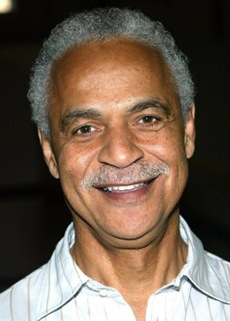 """HOLLYWOOD - NOVEMBER 16:  Actor Ron Glass attends the """"Barney Miller"""" television"""