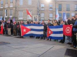 """Más de un centenar de personas honran en Santiago el """"legado"""" de Fidel Castro"""
