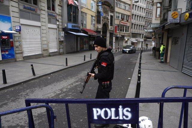 Policía turco