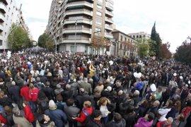 Decenas de miles se vuelven a manifestar contra la fusión hospitalaria de Granada