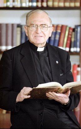 Fallece Domingo Ramos-Lissón, profesor emérito de la Universidad de Navarra.
