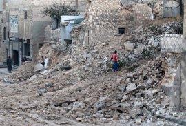 Entre 6.000 y 10.000 civiles huyen del este de Alepo a la zona bajo control kurdo