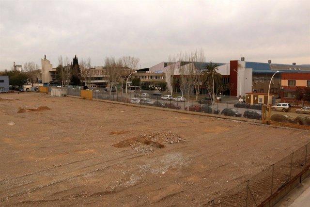 Solar de la Zona Franca que acogerá una lavandería industrial de Elis Manomatic