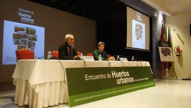 Izquierdo (izda.) y Ceballos inuguran el Encuentro de Huertos Urbanos