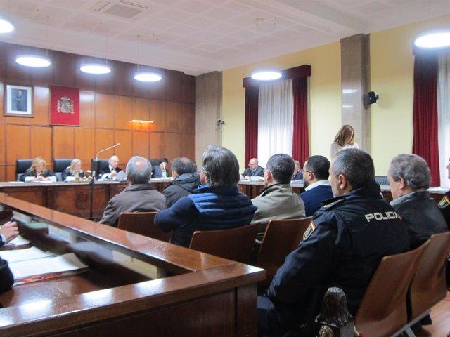 Acusados en el banquillo durante el juicio