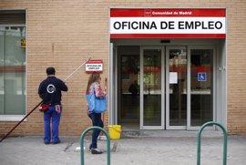 Las oficinas de empleo abrirán 30 minutos más al día y se podrá pedir cita previa