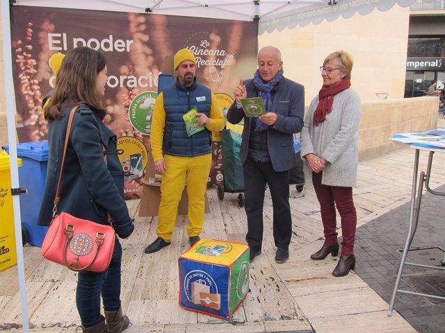 Ortíz y Pelegrín en la presentación de la nueva campaña de reciclaje