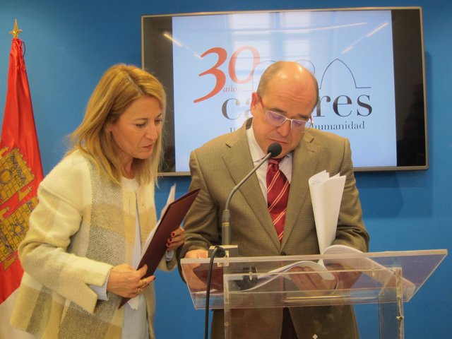 Elena Nevado y Valentín Pacheco, alcaldesa y teniente alcalde de Cáceres