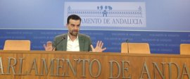 """IU ve una """"parafernalia"""" las visitas de Díaz y Moreno a Bruselas """"para darse importancia"""""""