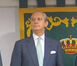 Podemos pide saber el precio del retrato condecorado del exdirector de la Guardia Civil