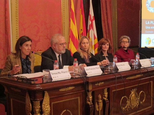 Teresa Maria Pitarch, Joan Fracesc Pont, Neus Munté, Núria Lao y Anna Mercadé
