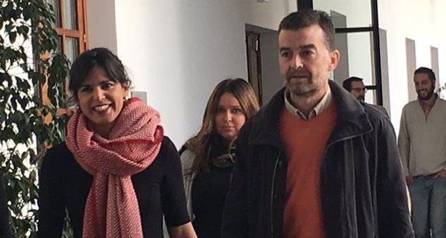 Teresa Rodríguez (Podemos) y Antonio Maíllo (IULV-CA) en el Parlamento andaluz