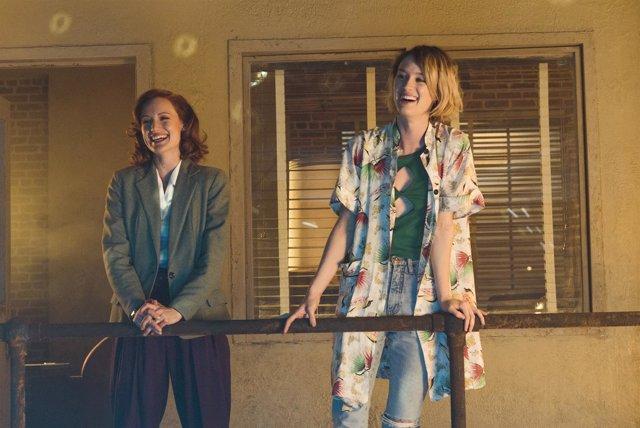 Mackenzie Davis y Kerry Bishé - Halt and Catch Fire, season 3