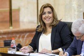 Susana Díaz inicia su viaje a Bruselas con un encuentro con militantes socialistas
