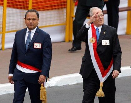 Perú.- Dimite el ministro de Defensa peruano por la polémica sobre el ascenso de su pareja