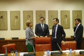 El PP prepara más cambios en comisiones del Congreso en una reunión presidida por Cospedal