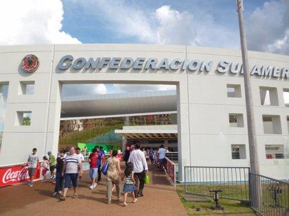 Confederación Sudamericana de Fútbol suspende las actividades por el accidente del Chapecoense