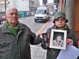 """Gritos de """"asesino"""" para el acusado de matar a su mujer en el hospital de Ourense"""