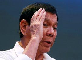 Nueve miembros del equipo de seguridad de Duterte, heridos por la explosión de una bomba