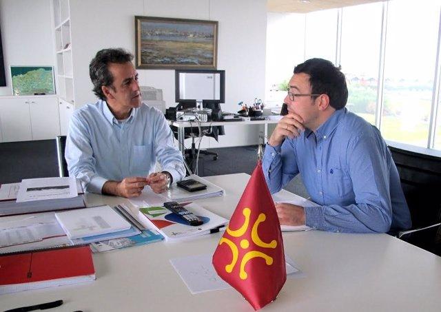 Martín con el alcalde de Ruente