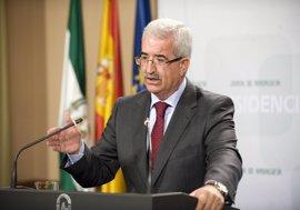 "Junta ve ""indecente"" que Moreno vaya a Bruselas a ""sembrar dudas"" sobre Andalucía"