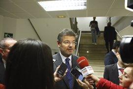 Catalá dice que, antes de impugnar los presupuestos de Cataluña, existen soluciones