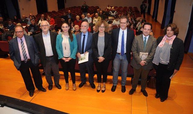 Ruz (centro), y otras autoridades, en la inauguración del congreso