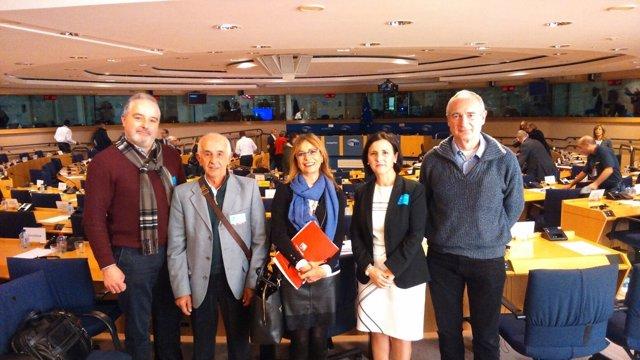 Afectados por Parques naturales visitan Bruselas