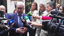 """Junta: Moreno """"miente"""" porque hay suspendidos 52 millones que """"se levantarán próximamente"""""""