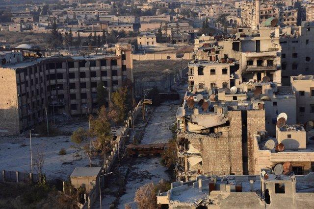 Vista general de un barrio de Alepo recuperado por el régimen