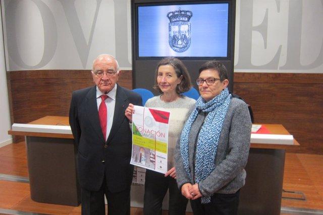 González, García y Santos Rionda presentando el Maratón de donación de sangre.