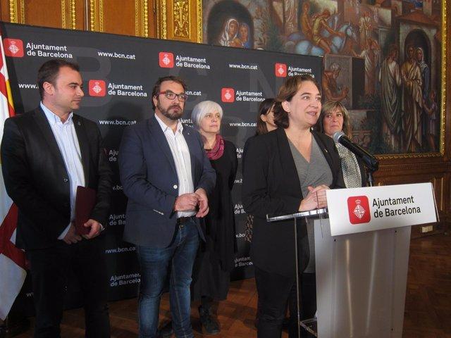 Los alcaldes A.Colau, N.Marín, D.Sabater, J.Ballart, J.Fernádez y N.Parlon