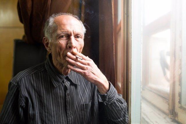 Fumador, fumar, mayor